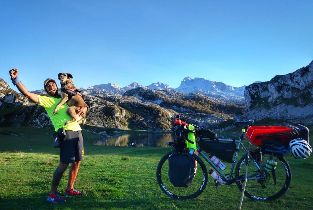 Pablo y Hippie - Bikecanine (© Pablo Calvo)